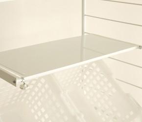 つっぱり式ランドリーラック 10cm間隔で移動できる棚板