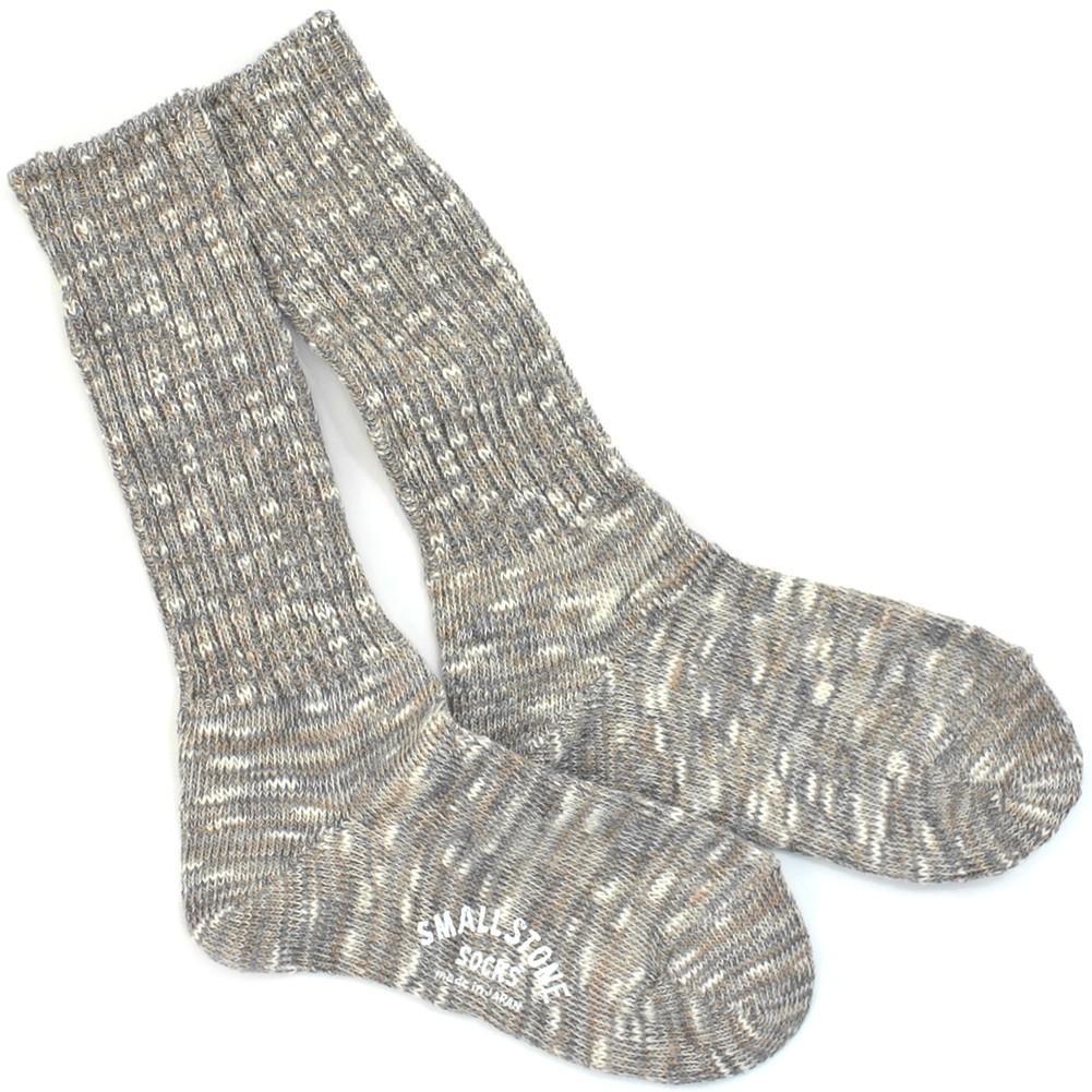 値段は少し高いですが、安い靴下の3倍以上の丈夫さと、5倍以上の履き心地の良さ!