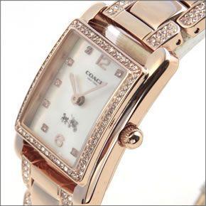 コーチ  煌びやかなピンクゴールドカラーブレスレットにラインストーンの輝き。ラグジュアリーなレディス腕時計。 14502017