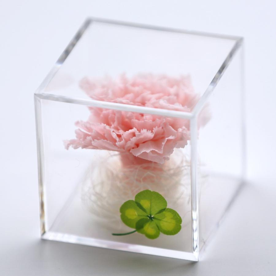 プリザーブドフラワー  誕生日 プレゼント 「キューブ」 光るバラ 花 ギフト 名入り 誕生日プレゼント 還暦祝い 女性 結婚記念日 退職祝い|a4s|24