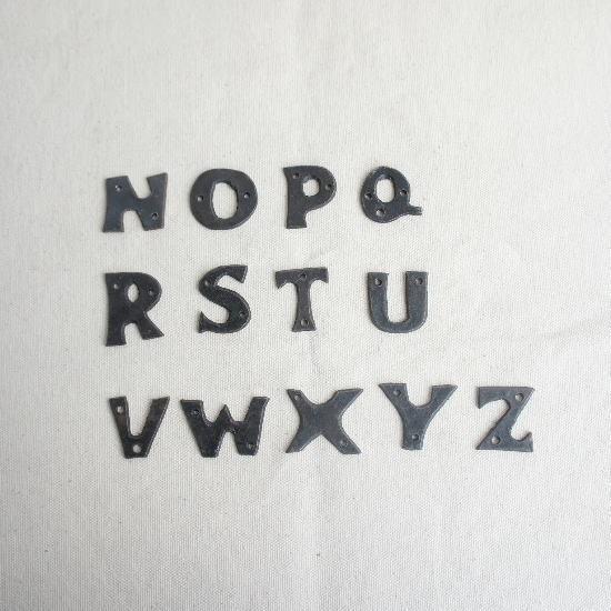 アイアンアルファベットプレート 小