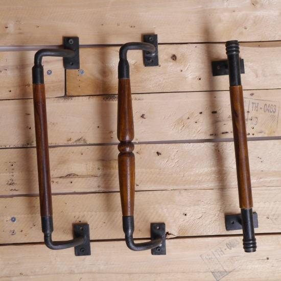 鉄と木のハンドル