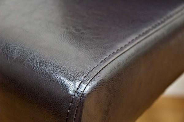 バイキャストPU使用で、通常の合皮より高級感ある仕上がりになっています