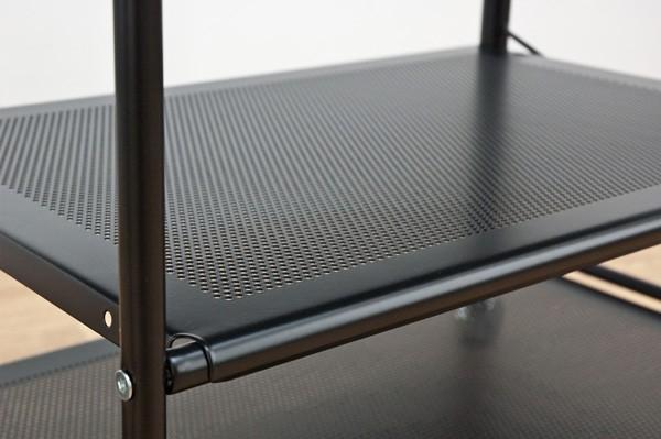 棚板はスチールメッシュで強度に通気性をプラス!