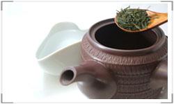 高級茶は冷まして淹れる事でより甘味を引き出します。