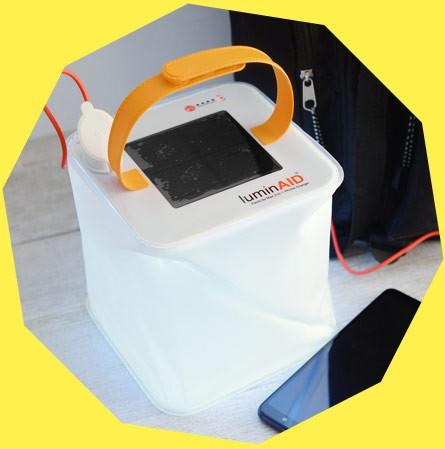 ルミンエイド パックライト ヒーロー 防水型ソーラーランタン スマホ充電機能付き LuminAID