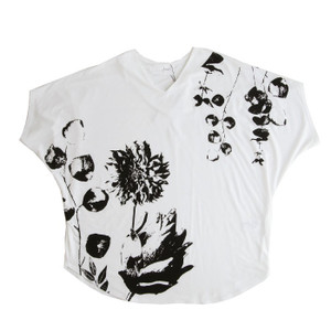 トップス レディース 半袖 カットソー 綿100 Vネック 花柄ドルマンTシャツ・6月30日0時〜再販。新色追加 50ptメール便可 antiqua 21