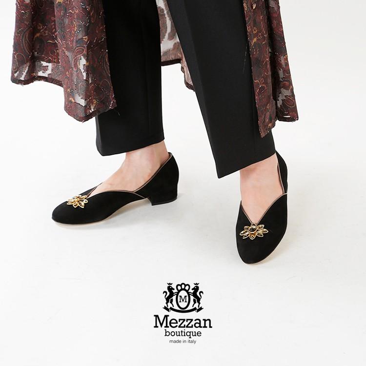 Mezzan Boutique(メザンブティック)スエードフラワービジューパンプス 2723