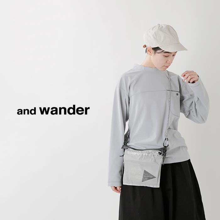 and wander(アンドワンダー)サーモトロンモックネックTシャツ