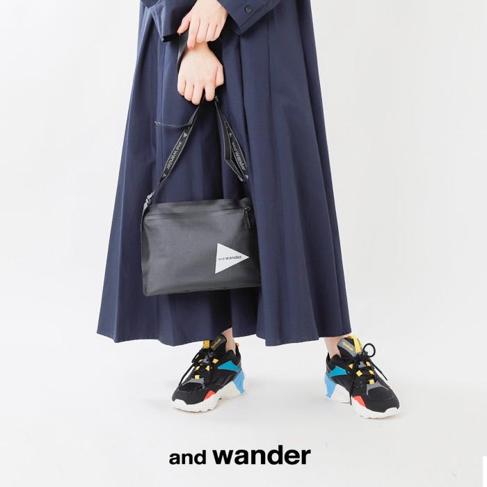 and wander(アンドワンダー)ウォータープルーフサコッシュ aw-aa649