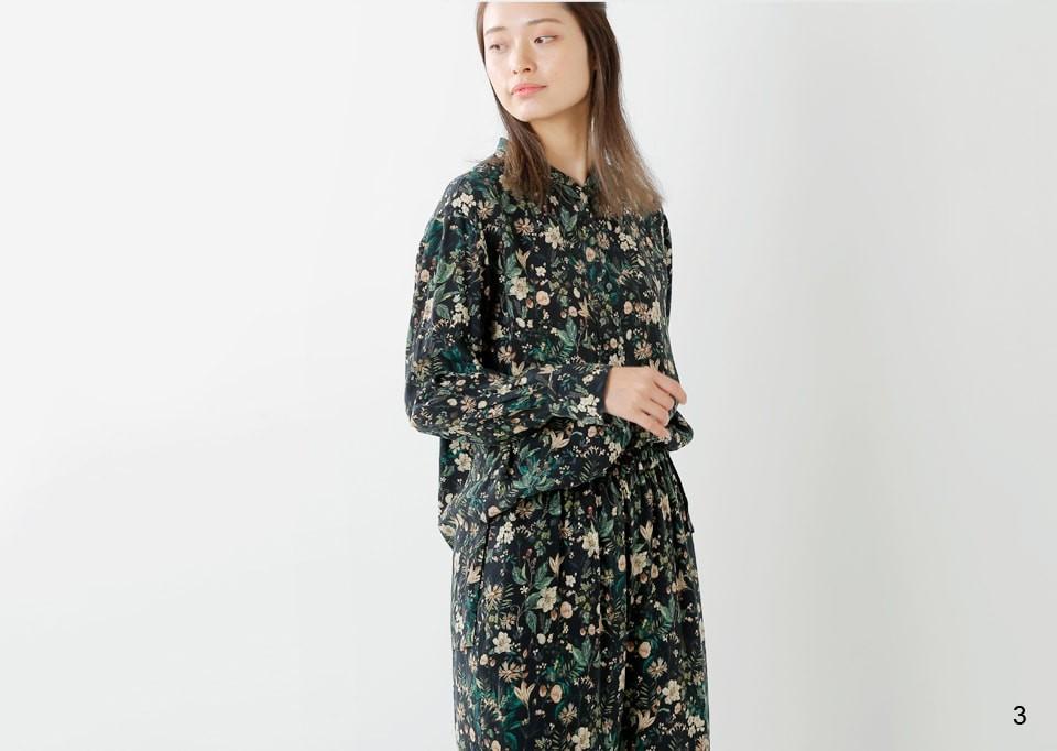 Liyoca(リヨカ)<br>フラワープリントスタンドカラーシャツ e4100
