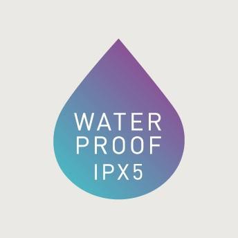 防水設計(IPX5)だから濡れても安心。単4形乾電池3本で連続使用時間約60分。約3分で自動停止するタイマー付き。