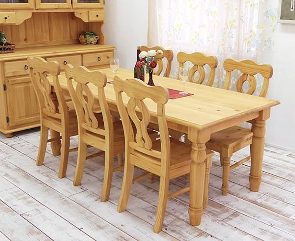 ナチュラルカントリーの6人用テーブルセット