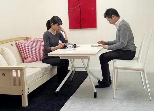 ソファや椅子に高さが合うテーブル
