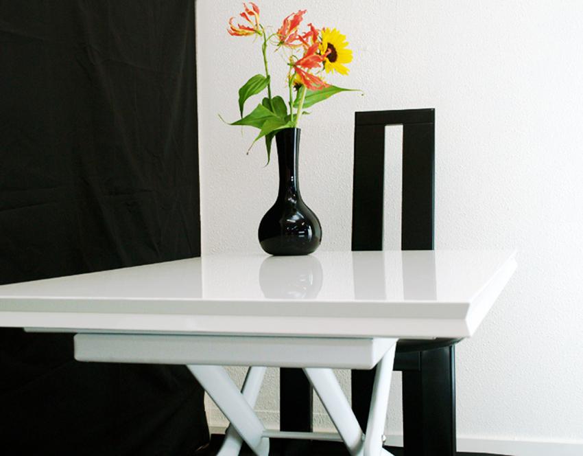 イタリア製伸張式リフティングテーブルで、パーティテーブルやお鍋パーティを皆で仲良く!