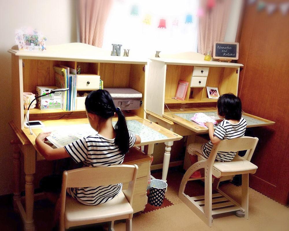 並べて使える兄弟姉妹学習机