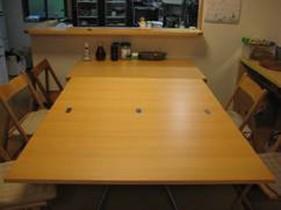大きくなる来客用テーブル