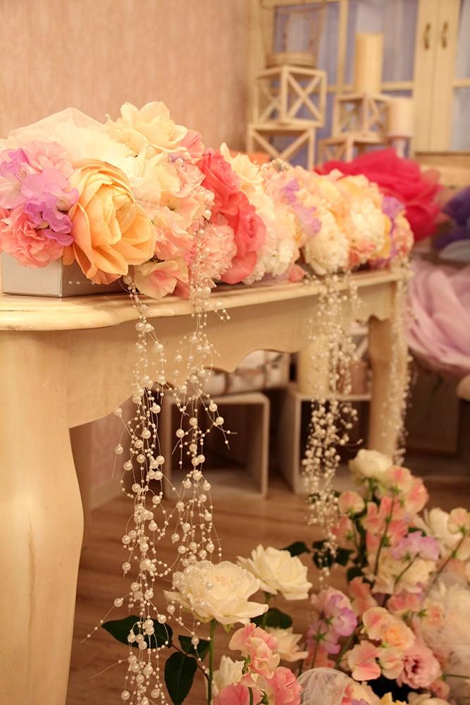 猫脚オシャレなテーブル,フラワーアレンジメント用展示台,オシャレなアンテーク調飾りだな