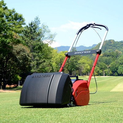 バロネスコードレス自走式芝刈り機LMB12