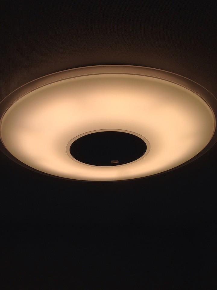 調光10段階でお好みの明るさを楽しめます