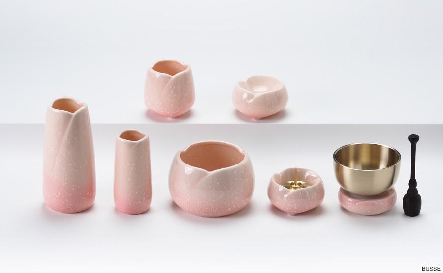 ミニ仏壇・モダン仏壇におすすめのさくらをモチーフにした陶器製のピンク色の仏具セット