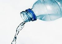 <鹿児島名水>シリカ含有天然水
