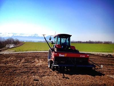 上富良野の小麦畑の写真1