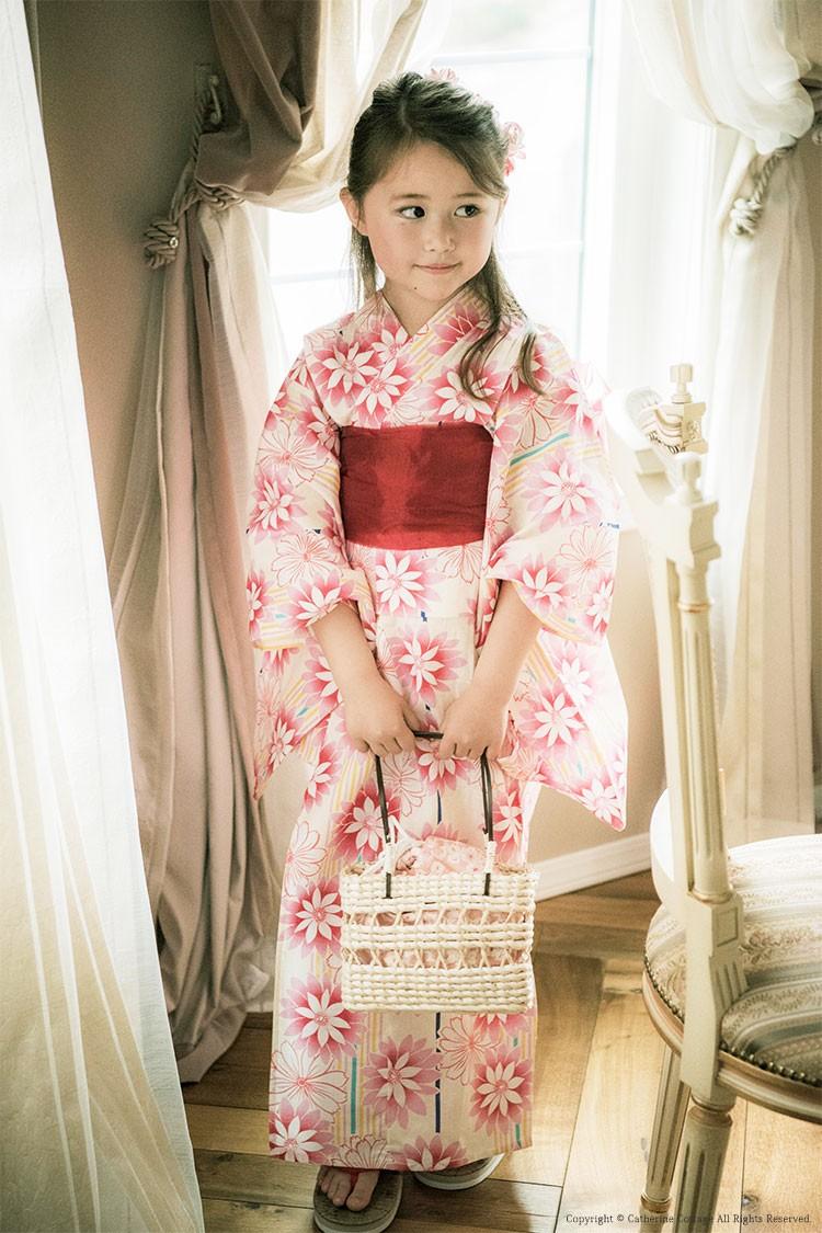 浴衣を着た女の子