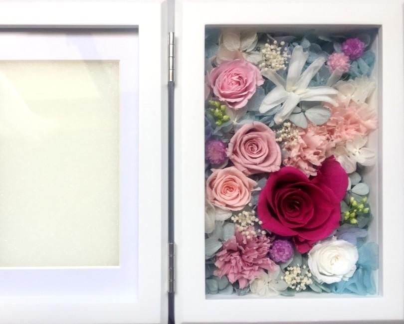 貴方の思い出をお花とともに華やかに飾るプリザのフォトフレーム