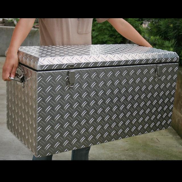アルミチェッカーボックス 幅833mm ノーマルタイプ 固定用リング+南京錠用金具付き