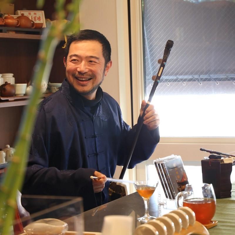 プロの二胡奏者の生演奏「にこっとお茶会」~二胡と中国茶が織りなす憩いの時間〜