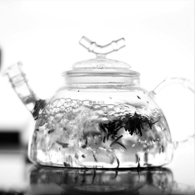 ぐっすり眠りたい、イライラしない毎日を送りたい。だから、お茶を変える。ノンカフェインを探す。