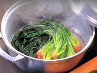 水なしで素材の旨味を引き出す魔法のお鍋