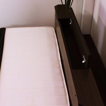 FELT フェルト 棚W照明コンセント引出付デザインベッド フレームのみ 画像