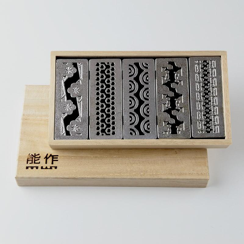 昇進祝いに錫製カトラリーレスト吉祥紋