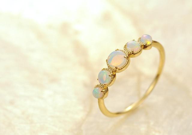 K18 opal ring destiny gradation