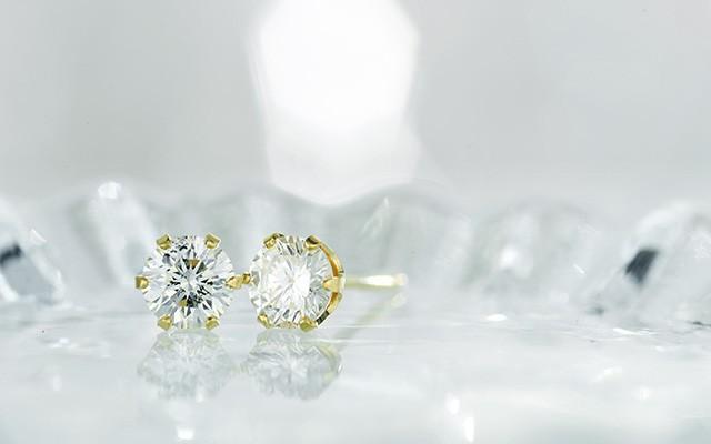 K18 diamond pierced earrings float 0.5ct