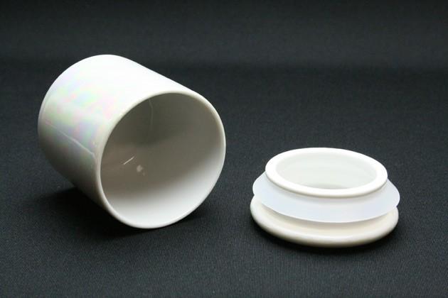 ミニ骨壷「やわらぎラスターホワイト:2寸/蓋シリコン付き」