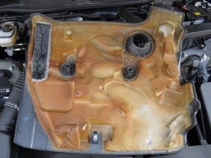 エンジンカバーの防音対策 本番(マークX)