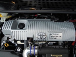 エンジンヘッドカバーの保温&防音対策(プリウスα)