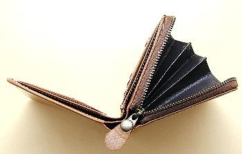 ポニー財布横向き
