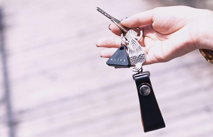 【もう無くさない】Bluetooth搭載のスマートフォンやタブレットと連動し忘れ物や紛失を防ぎます。