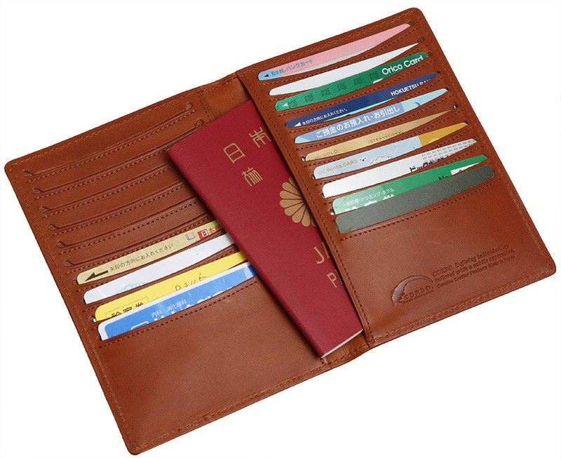 パスポートも収納可能