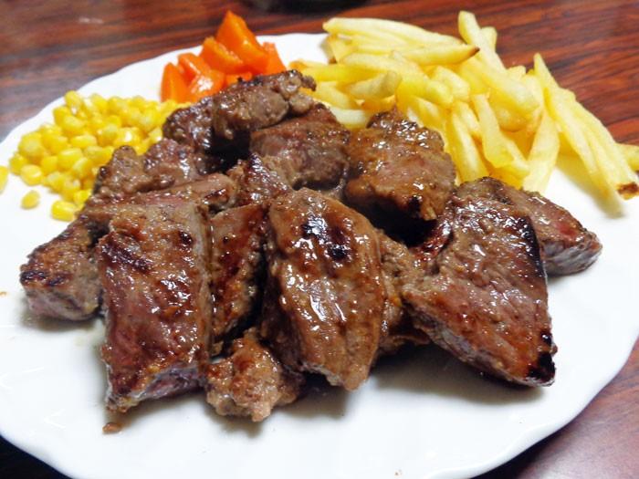 ステーキ バーベキュー ((訳あり 切り落とし 端 端っこ はしっこ) ステーキ 牛肉 通販 訳あり わけあり 不揃い 切り落とし 焼肉 業務用 (牛肉 豚肉 和牛) (訳あり ワケあり ワケアリ わけあり) BBQ