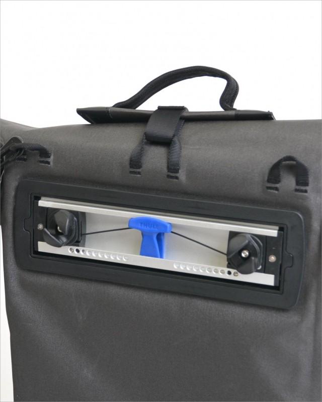 スーリーTHULEパニア/サイドバッグ100010BLACK モデルイメージ