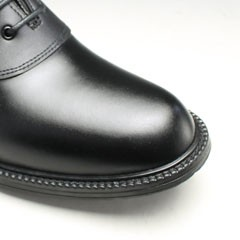 5a3ec23ee245  1 : グレー ブラック はサドル部分はマットなブラック、本体部分は光沢のあるダークグレー、ソールはブラックと変化を持たせたコンビカラー。
