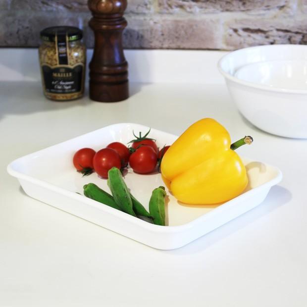 野田琺瑯 バット 15取 ホーロー ホワイト 白 全白 ノダホーロー 琺瑯 日本製 キッチンツール SPW-15T