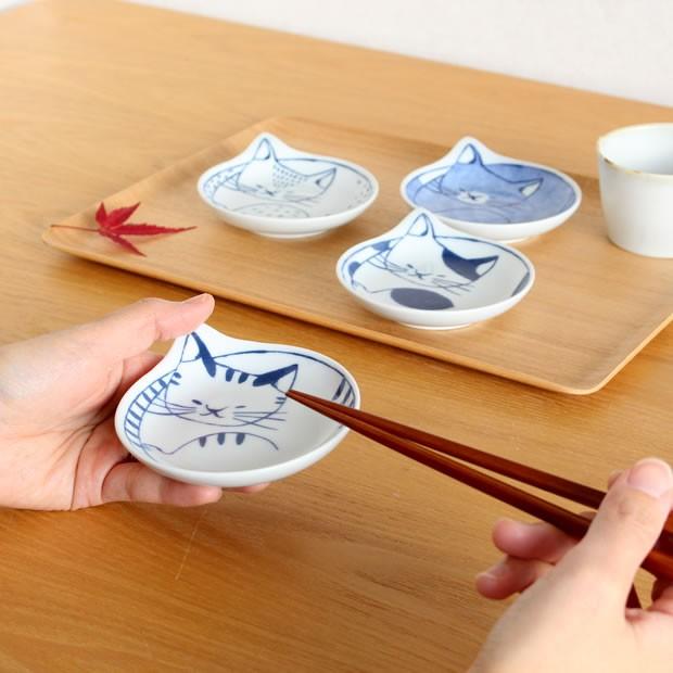波佐見焼 coneco皿 小皿 豆皿 4枚 セット こねこざら 箱入り 猫皿 ねこ皿 取り皿 平皿 磁器 和食器 石丸陶芸 日本製