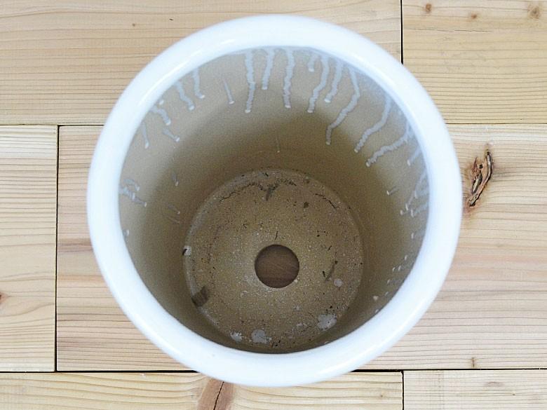 陶器鉢底穴