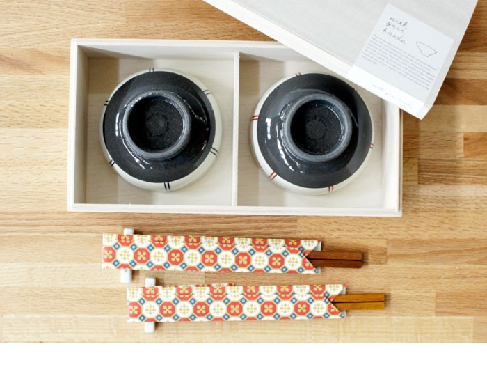 現在でも、ニッポンの主食「お米」を食するための「お茶碗」の開発には特にその伝統と技術が駆使され様々な市場で「波 佐見焼のお茶碗」は定番中の定番と認められています。
